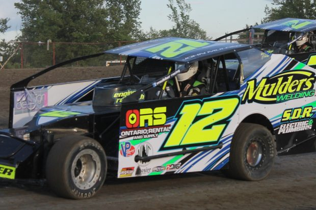 There's No Race Like Home at Brockville Speedway's DIRTcar Northeast Fall Nationals