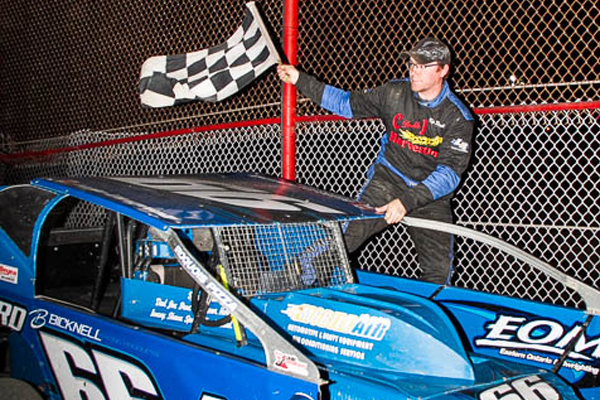 KYLE DINGWALL ENDS 2 YEAR DROUGHT WITH 358 TRIUMPH AT BROCKVILLE