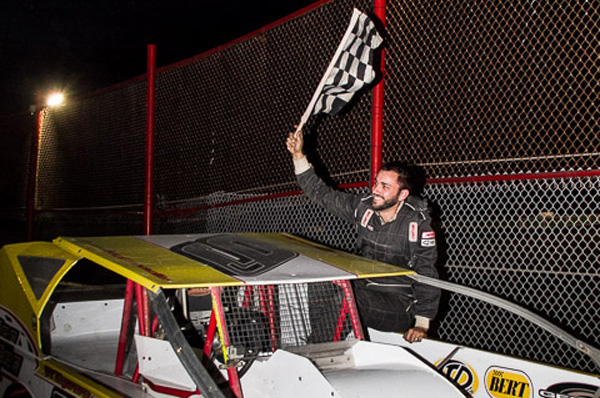 JORDAN MCCREADIE DOMINATES BROCKVILLE FOR FIRST 358 MODIFIED WIN OF 2016