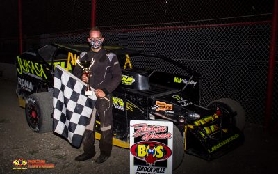 Gary Lindberg Dominates 358 Modified Field at the 1000 Islands RV Summer Sizzler
